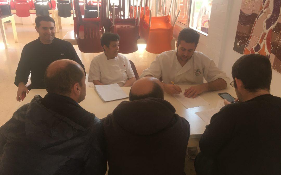Reunión de los representantes de las personas usuarias con el equipo de cocina